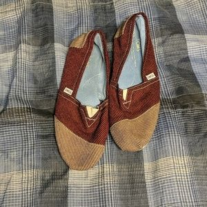 Toms Slip-Ons Size 14